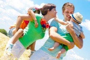 Hochzeits Jubiläum bei jungen Familien